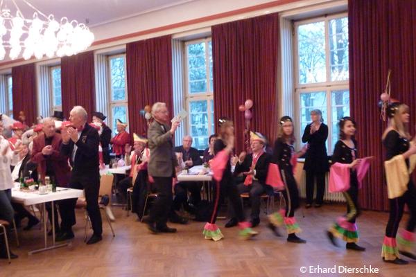 braunschweig senior singles Nach dem stück laden wir zu einen neuen kennenlernen format von katharina  von wilcke ein: singles & theater lovers: die kunst der verführung speziell für .